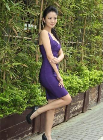 安以轩穿短裙原图 安以轩穿短裙露底 安以轩短裙照片风波 图秀魅影 图片