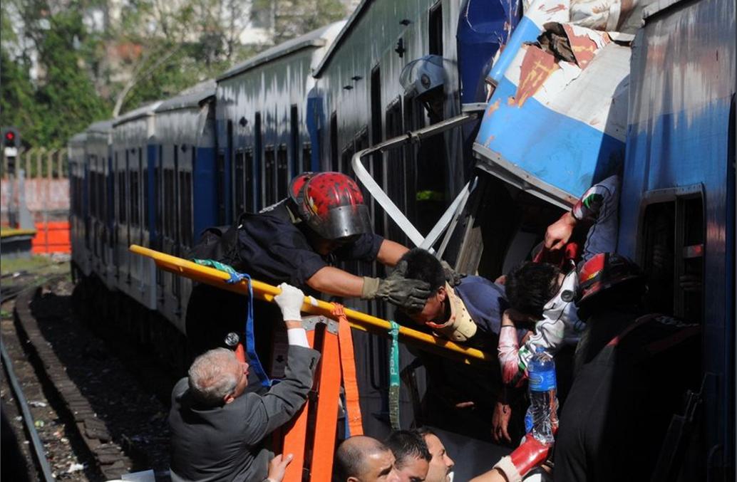 城铁 交通事故 城铁列车 布宜诺斯艾利斯 伤者 出轨