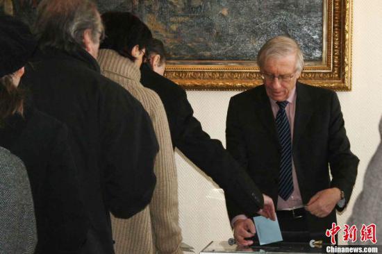 法国,大选,民调,奥朗德,领先,萨科齐,百分点