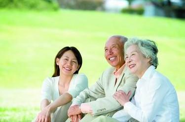 关爱老人 关爱老人的文章 关爱老人标语图片