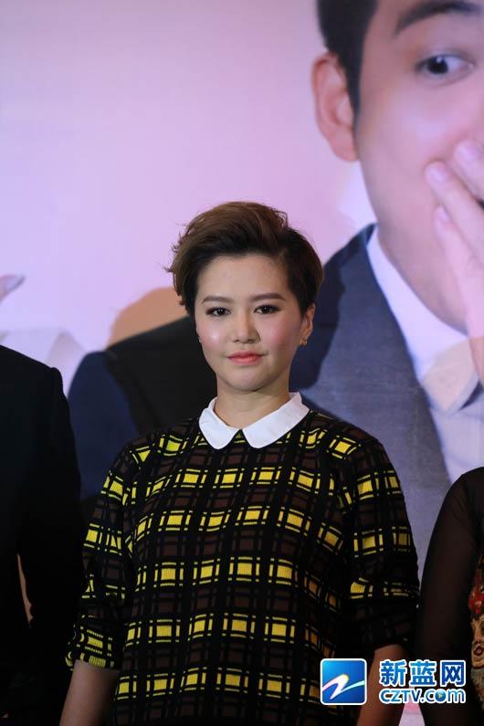 内地知名女歌手 谭维维