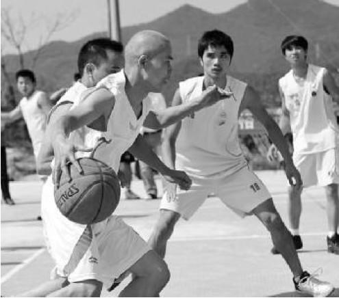 体育 为新老奉化人之间搭起了一座沟通的桥梁