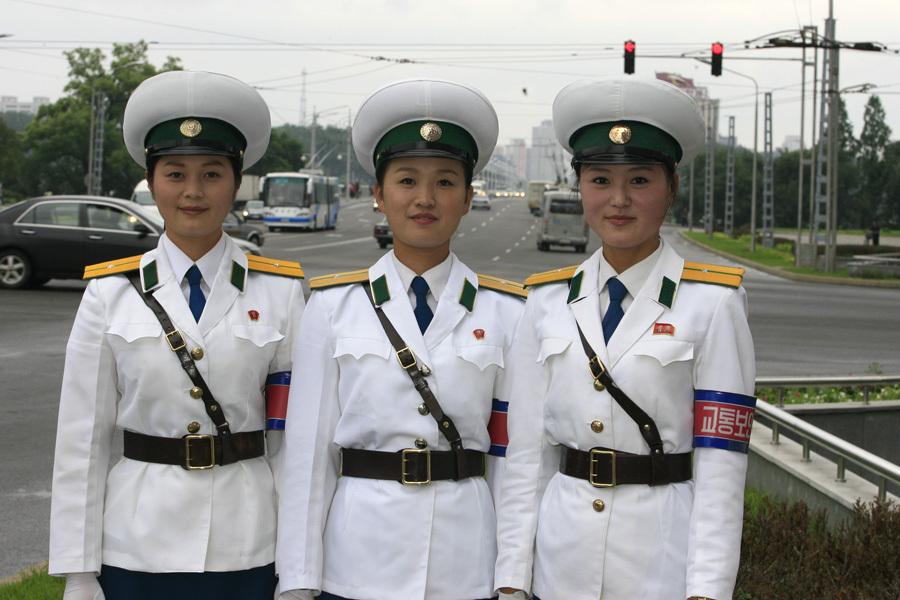Polisi lalu lintas wanita di Korea Utara