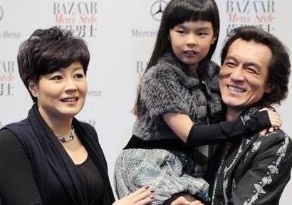 """""""二哥""""李咏将调离央视 前往中国传媒大学任教"""