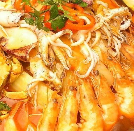 鱿鱼、墨鱼、明虾、河虾胆固醇含量高