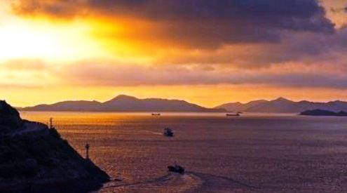 渔光曲环岛游 象山石浦港是中国四大渔港之一,其外形呈一轮弯月,四