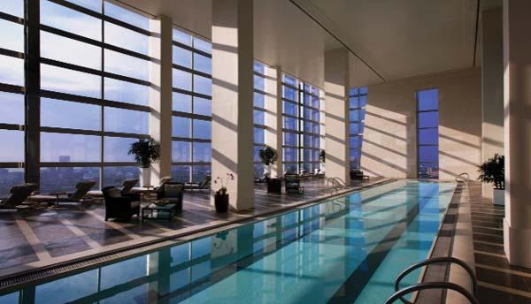 畅游全球八大迷人的酒店室内游泳池