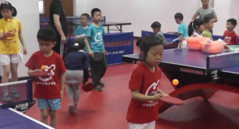 【好动吧】别样的乒乓球 别样的游园会(视频)