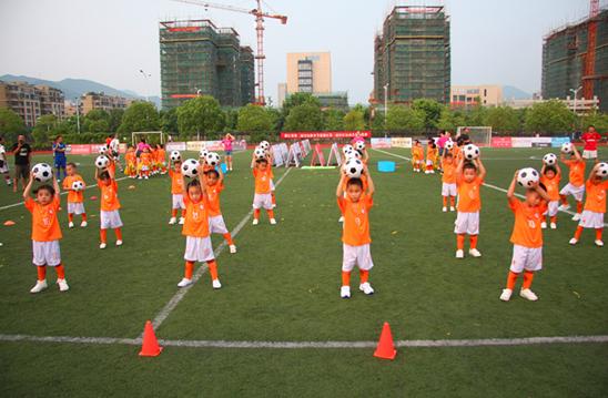 【莲都区】第三届社区运动会足球比赛开幕式少儿足球宝贝表演