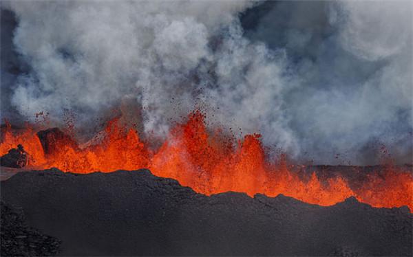 巴达本加火山成为冰岛最热门旅游景点