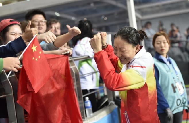 【田径】女子3000米障碍赛中国递补金牌