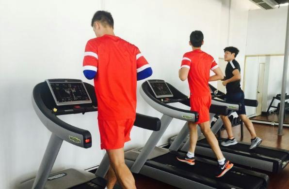 【足球】国足恢复性训练