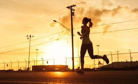 【跑步】多久没跑都无碍 3步让你重回赛道