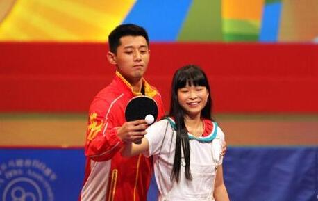 【乒乓球】张继科微博叫屈:教得投入被说撩妹