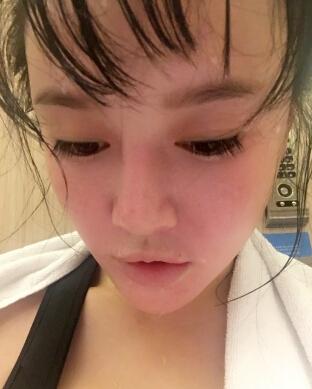 【健身】邹市明娇妻冉莹颖健身撒汗