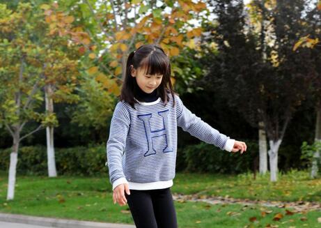 【滑板】田亮晒女儿滑板照