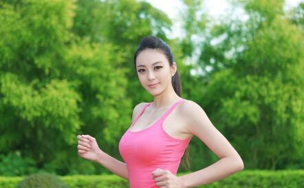 【健身】美模运动写真香汗淋漓