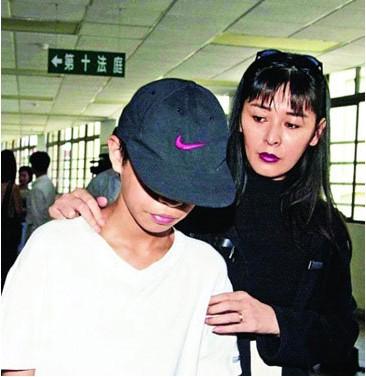 王祖贤息影11年复出