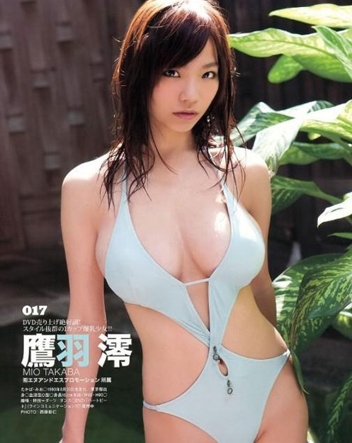 2013年日本写真女优新秀 天使面孔魔鬼身材成宅男新宠