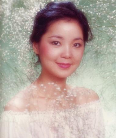 网友发唱功排行榜走红 孟非唱了一首歌就中枪了(组图) 邓丽君100分