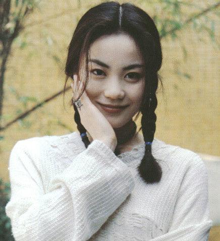 王菲清纯旧照(图片来自网络)