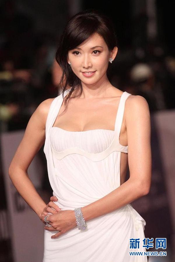 百大性感美女榜单前10出炉 34D安心亚击败林志玲_新蓝网