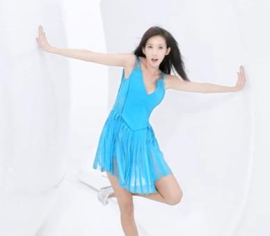 林志玲内衣广告大尺度晒胸遭央视禁播 90秒未删减完整版曝光