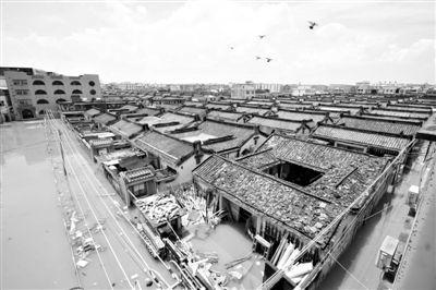 19日,广东汕头潮阳区和平镇出现水浸现象。连日来,广东省汕头市潮阳区、潮南区普降暴雨。新华社发