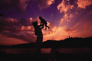 断桥,晚霞,母与子。 快拍小友 清凉的风 摄