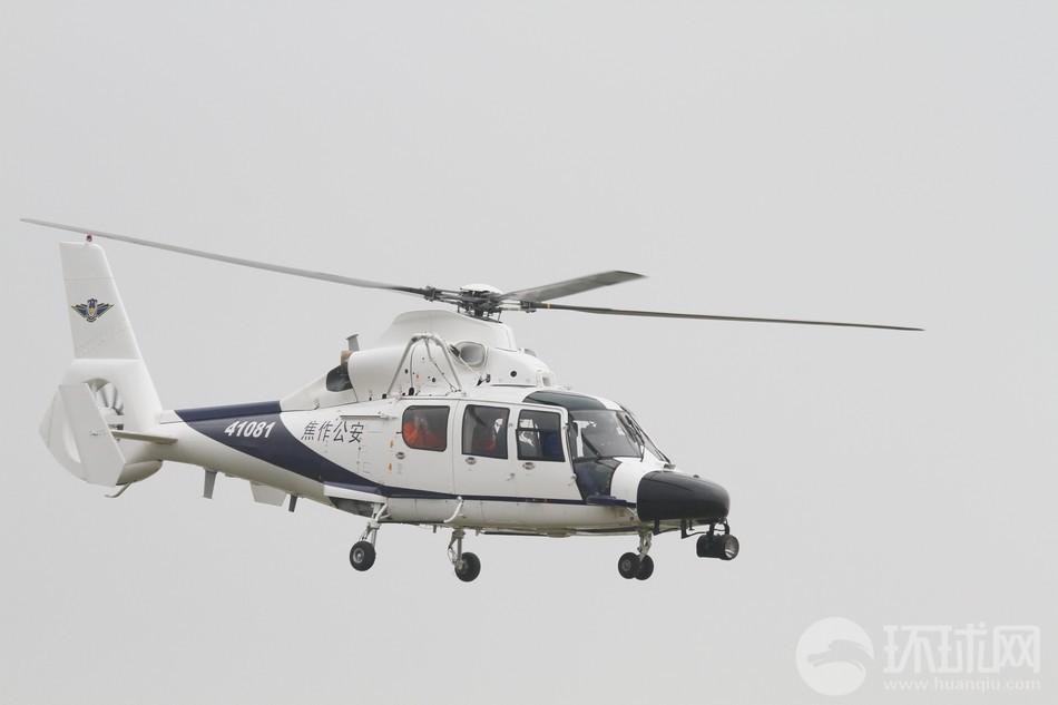 焦作公安装备的AC312直升机摄影:刘昆