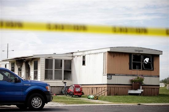 美国俄亥俄州一拖车失火致6人死亡包括5名儿童