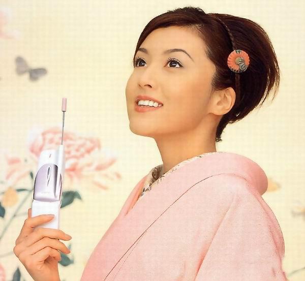 高清:中式旗袍PK日式和服 看不尽的万种风情