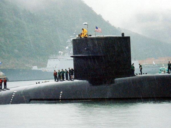 资料图:美国密歇根号战略导弹核潜艇。
