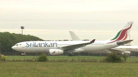 一斯里兰卡飞机在英紧急降落威胁安全2嫌犯被捕