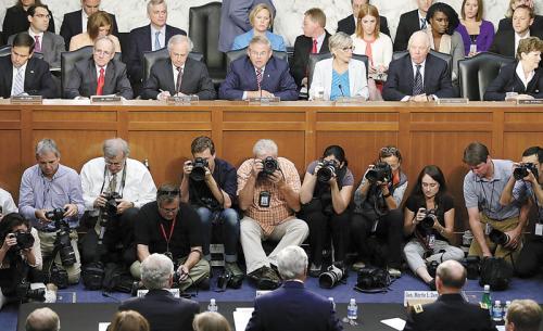 美国国会通过军事打击叙利亚议案几乎已成定局。图为参议院3日举行对叙动武听证会。
