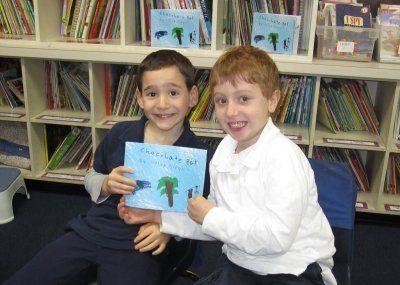 美7岁男童出书 为患病好友筹40万美元药费(图)