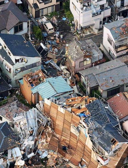 日本两县遭遇龙卷风67人受伤547幢建筑受灾