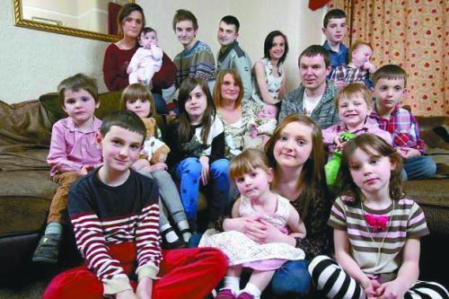 英最大家庭24年生16娃