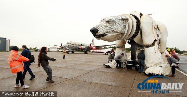 """呼吁环保花样多 绿色和平组织推世界最大""""北极熊"""""""