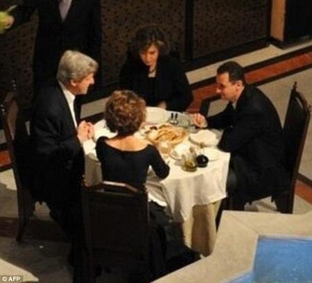 美国务卿曾与叙总统共进晚餐席间言谈甚欢(图)