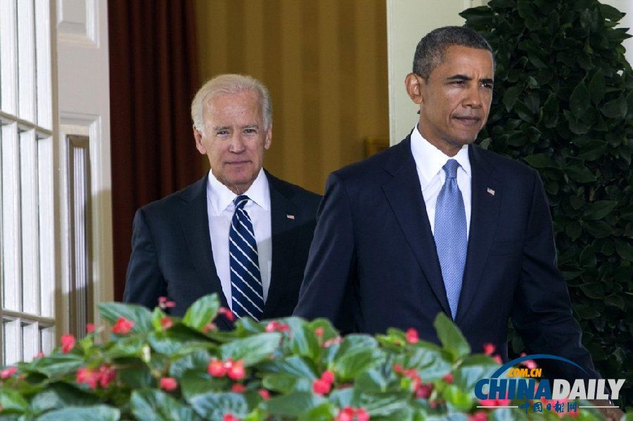 奥巴马称确定将对叙动武 豪气踩桌拜登淡定(组图)
