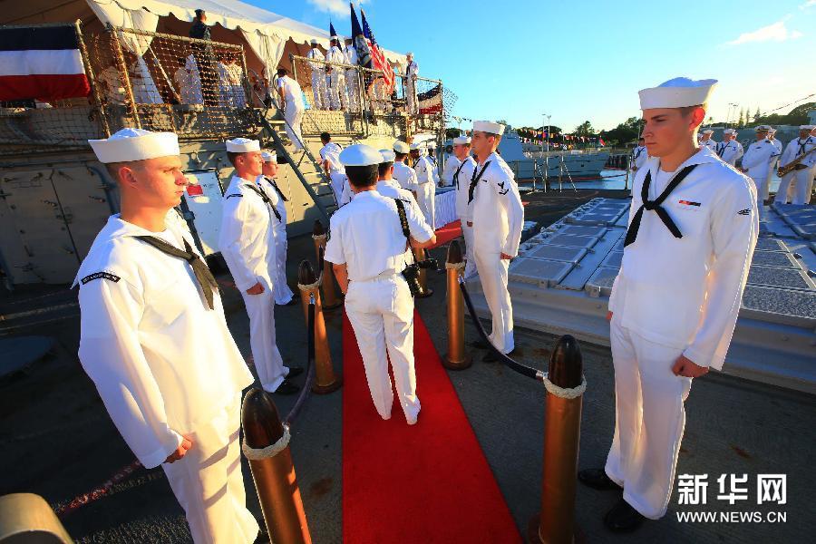(国际)(9)中美海军官兵在夏威夷珍珠港开展军事文化交流活动