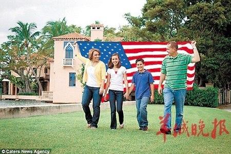 美国一对夫妇卖房带孩子游遍全美进行爱国教育