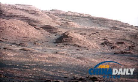 """夏普山的基底部分,""""好奇号""""探测器火星陆地探险的目的地。"""