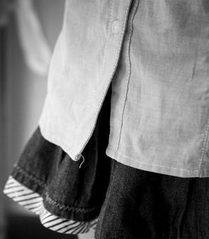 宁波一所小学采用英伦风校服 被质疑产品劣质