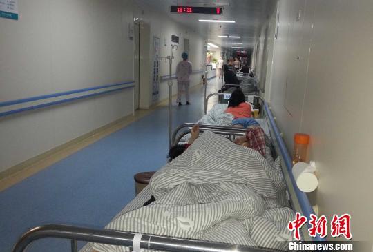 """河南省肿瘤医院被指收费乱""""VIP""""收费赛星级酒店"""
