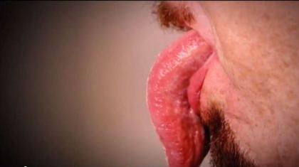 """""""世界最长舌""""长到超过10厘米科学家难解原因"""