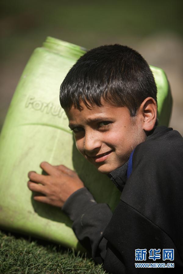 (国际)(2)山上的生活——走近印控克什米尔山区的游牧居民