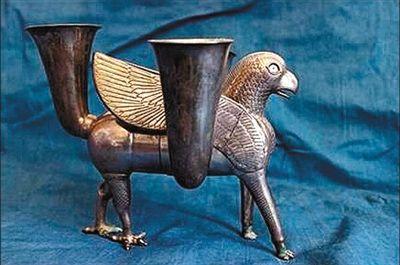 美国送还伊朗有2700年历史的波斯王朝银质酒杯,该文物估价100万美元。