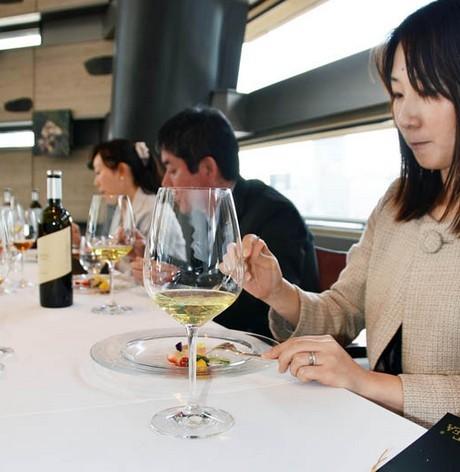 日本将推奢华绿茶饮品每瓶售上万元人民币(图)